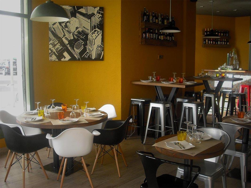 Mobiliario De La Firma Fs En Restaurante Divuit Trenta Quatre