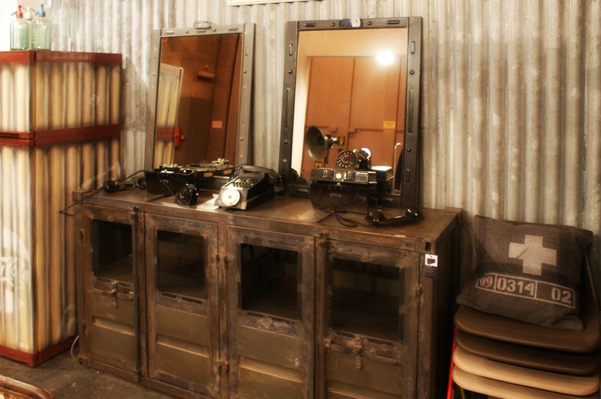 Decoracion vintage de la firma fs muebles en intergift 2012 for Objetos decoracion industrial