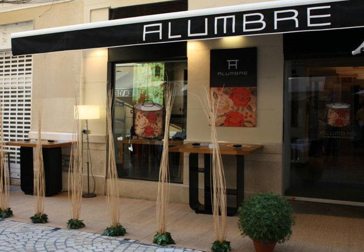 Francisco segarra budi sillas apilables para hosteler a for Fachadas de restaurantes modernos