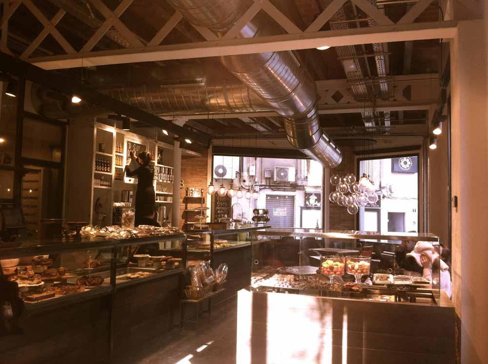 foto del interior de la panaderia Serrajòrdia Taller de Pa
