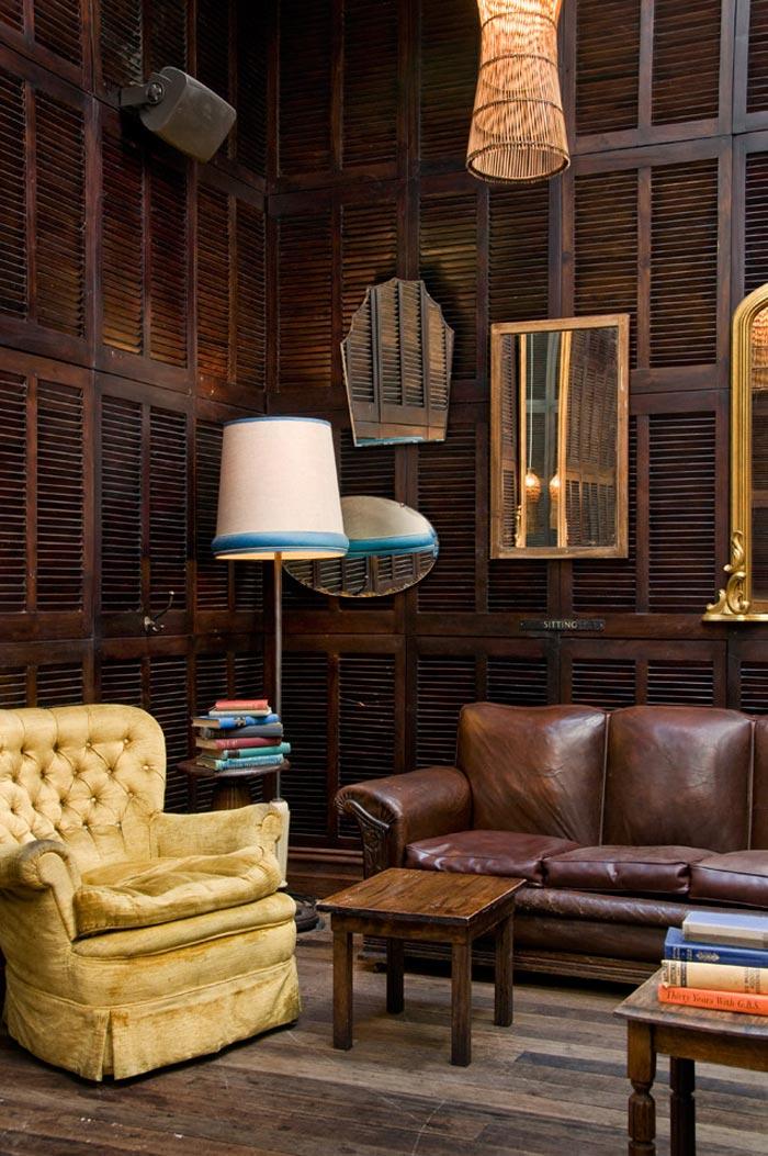 La cervecer a taphouse decoraci n ecl ctica muebles antiguos for Objetos decoracion industrial