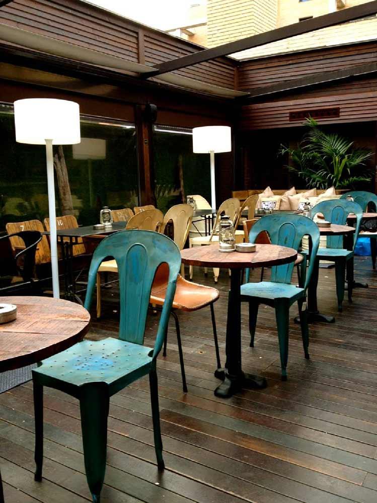 Dise o decoraci n interiores terraza restaurante la misi n - Decoracion de interiores de bares ...