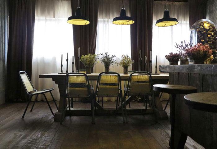 Imágenes del interiorismo y la decoración del The Blue Coffee