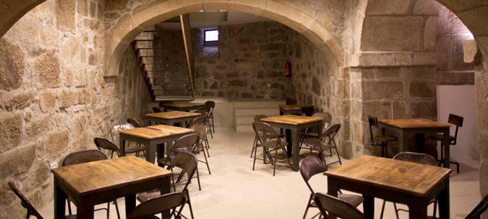 Imágenes del mobiliario del hotel Carris Porto Ribeira en Portugal