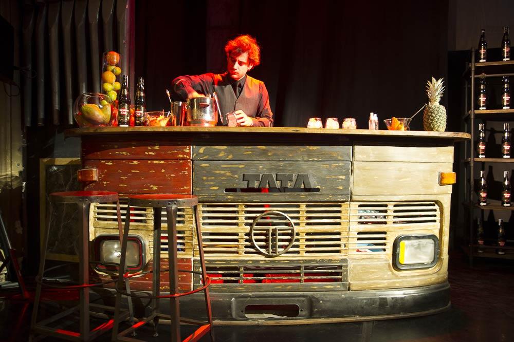 Historias que cuentan teatro calderon escenograf a fs muebles - Barras de bares ...