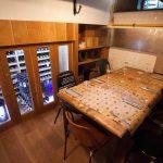 Imágenes de la decoración del comedor en el Gastrobar Constante & Co.