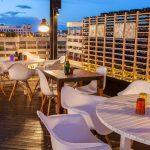 Imágenes de las sillas para hostelería en la cafetería Il Rosso Puerto