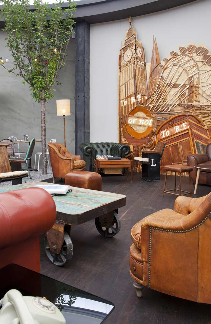 Imágenes de sillones, sofás y mesas en Casa decor 2013 Madrid
