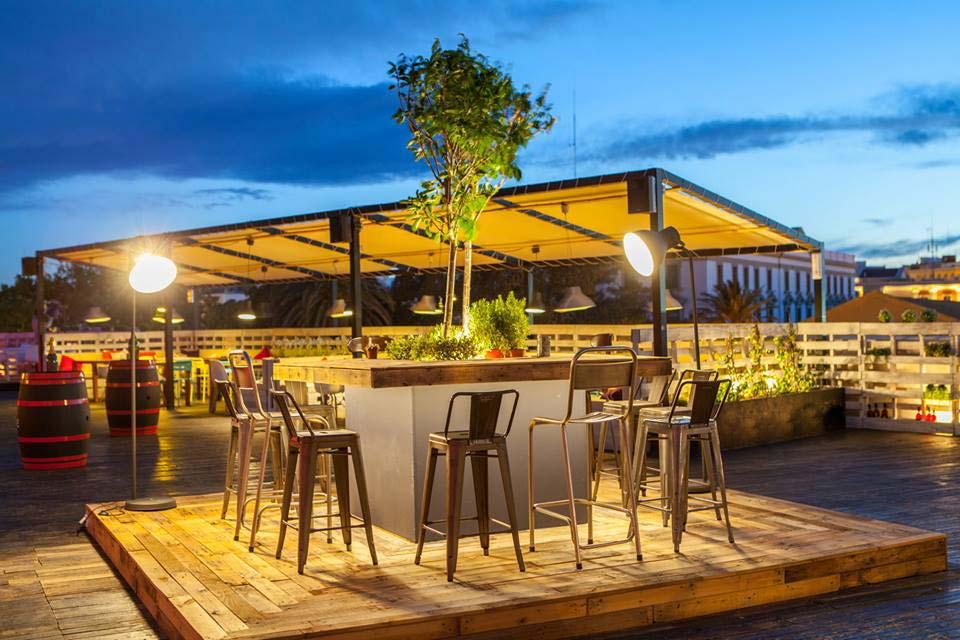 Mobiliario de terraza dise os arquitect nicos for Mobiliario de terraza