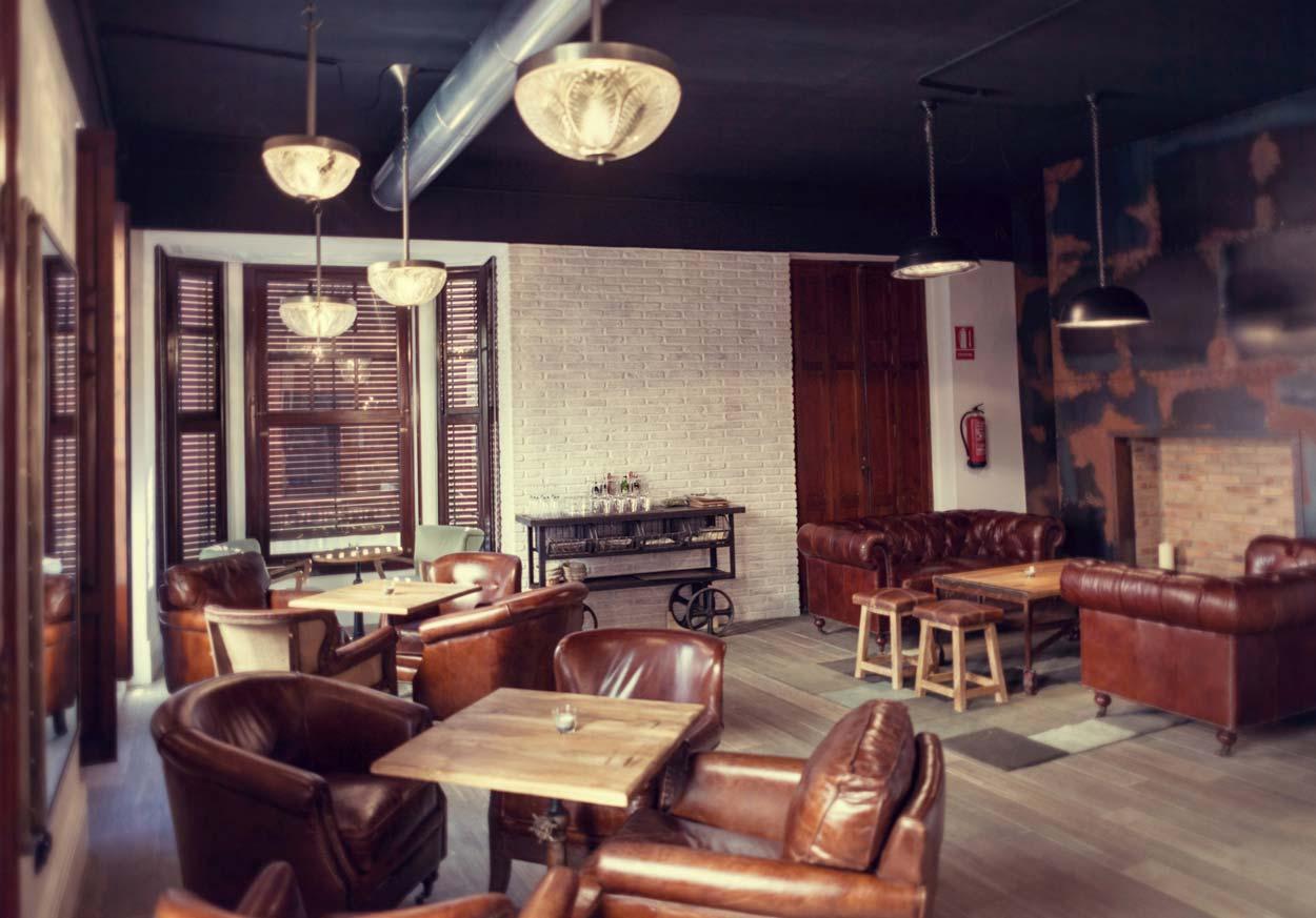 Imagen del mobiliario FS muebles en panadería Forn Le Petit Pain