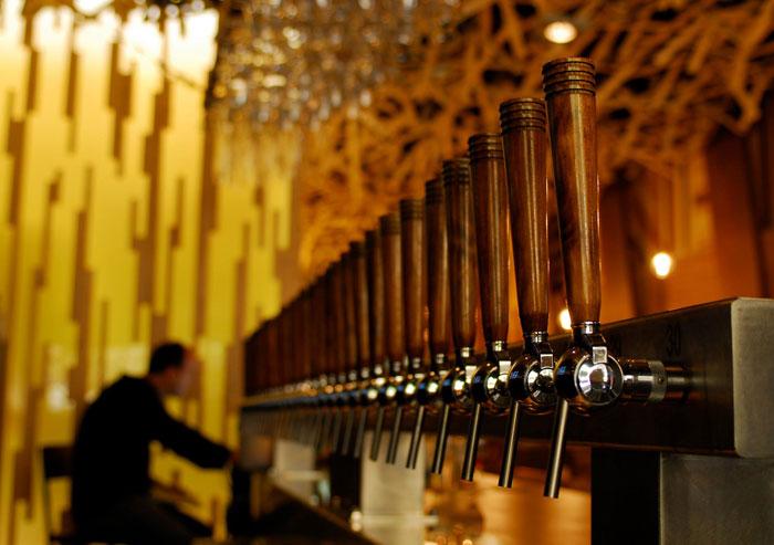 Imagen de la decoración para hostelería de la cervecería BierCaB.