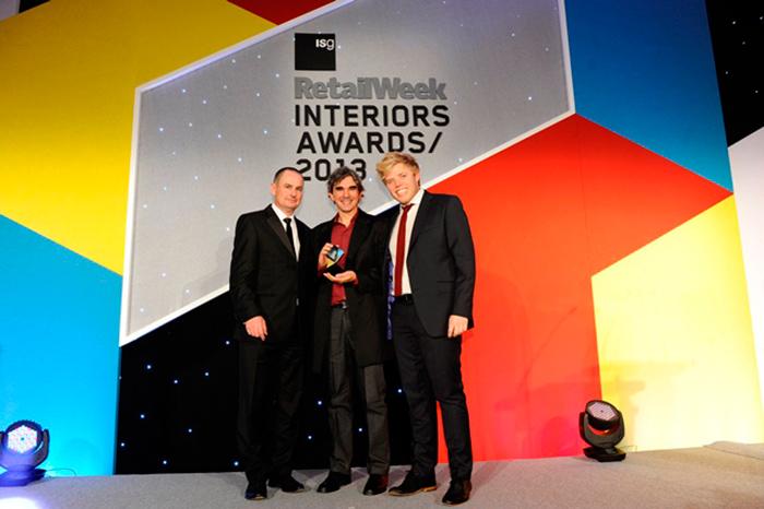 Foto de Pedro Scattarella en los premios Retail Week Interiors Awards 2013