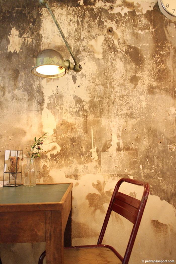 Imagen de la firma Francisco Segarra. Mobiliario vintage para comercios