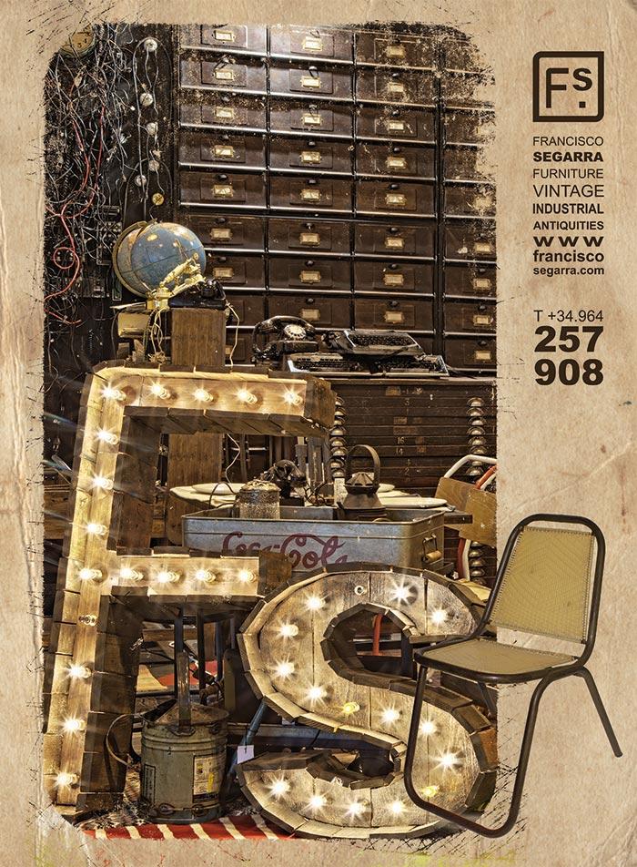 """Foto de la portada del catálogo de muebles """"Vintage Furniture 2014"""" de Francisco Segarra."""