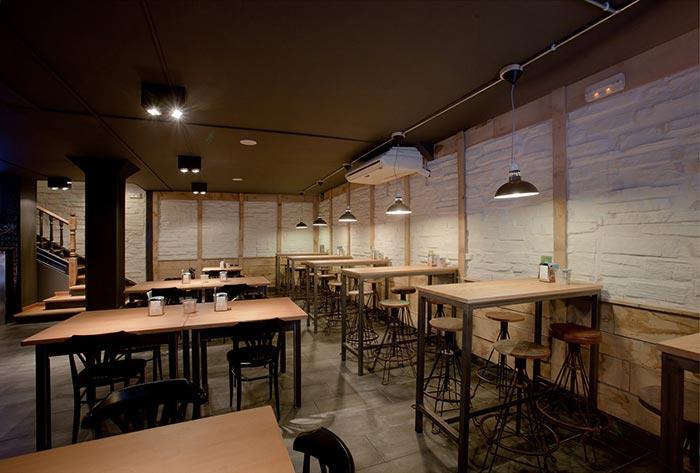 Poryecto interiorismo decoraci n bar la taper a torrelavega - Mesas altas para bar ...
