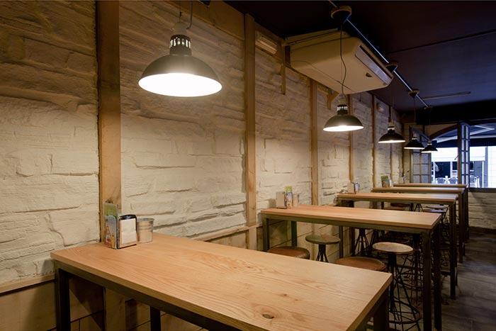 Fotos del proyecto de decoración del bar La Tapería de Zorrozua Asociados.