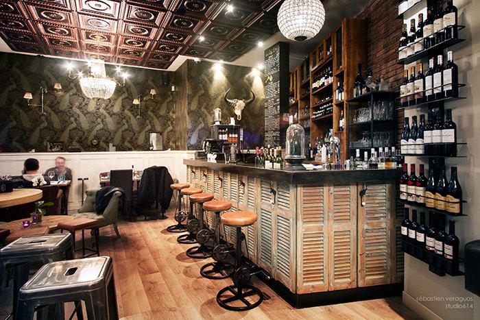 Fotos del diseño de interiores en la cafetería La Clef d'Or, Niza.
