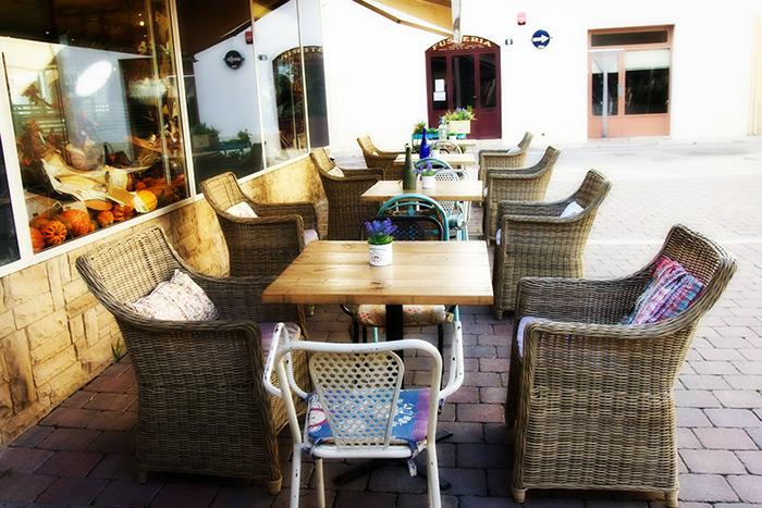 Imagen de mesas para terraza en hostelería.