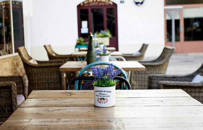 Imagen de muebles de terraza para hostelería.