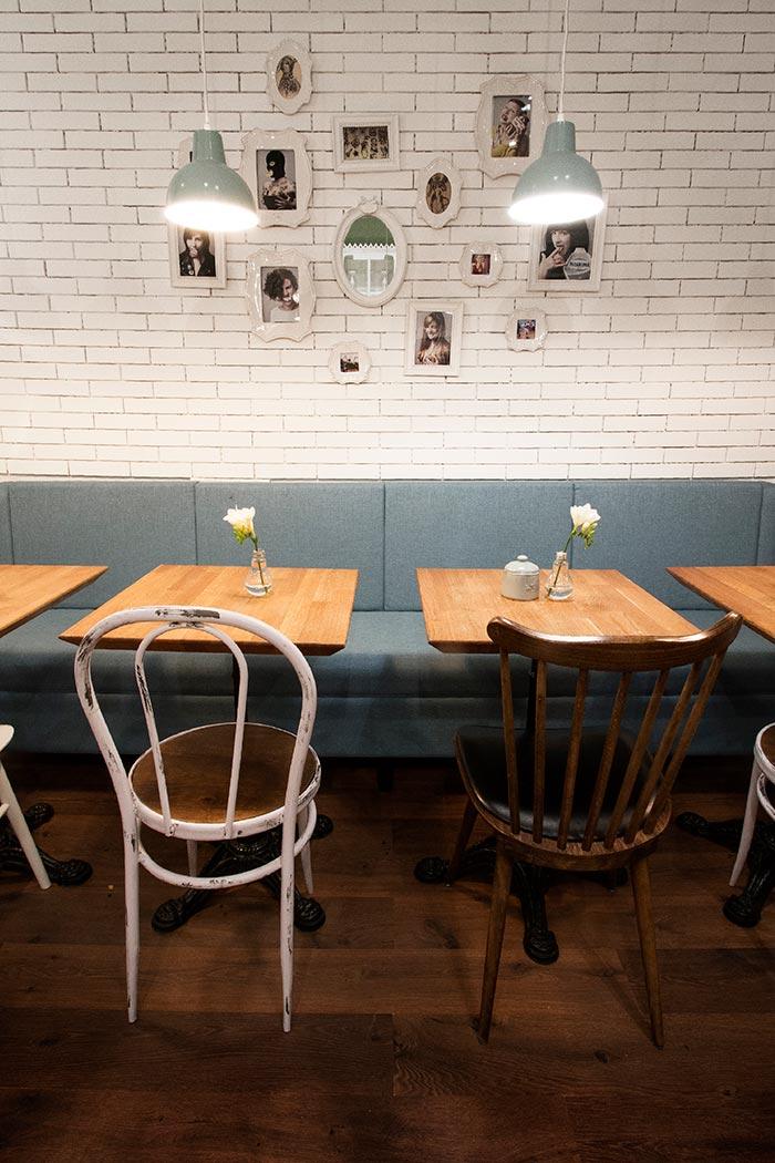 Imagen de las sillas y muebles de Francisco Segarra para interiorismo.