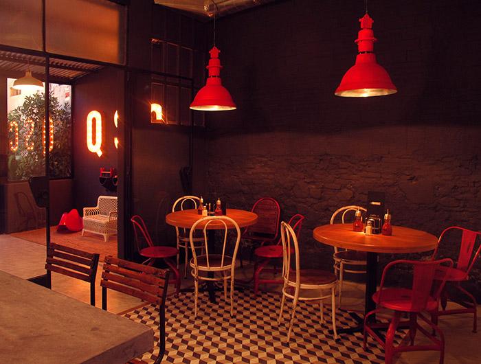 Fotos del mobiliario de Francisco Segarra en El Quiosc de Can Carreras.