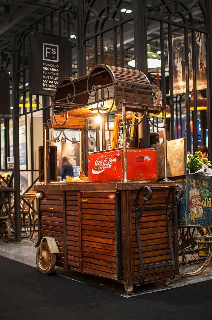 Fotos del mobiliario vintage online Francisco Segarra en Hotelympia.