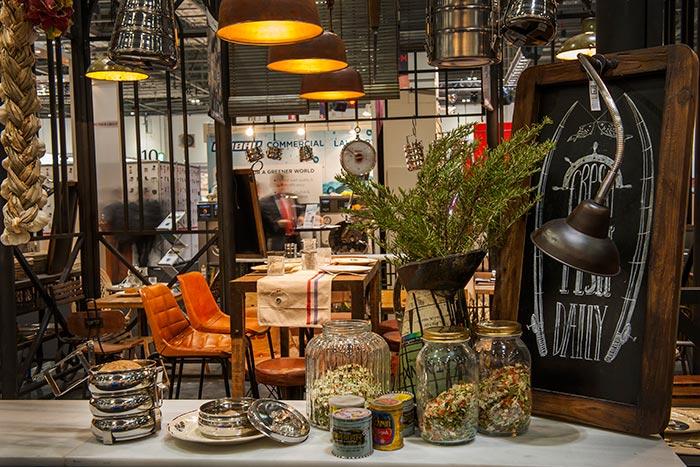 Fotos de las piezas del catálogo de muebles online Francisco Segarra.