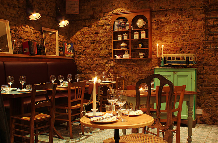 Proyectos decoraci n restaurantes londres blanchette for Adornos para bares rusticos