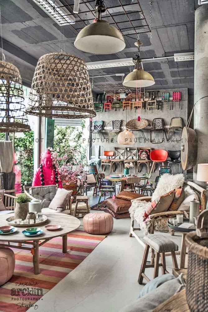 Fotos. Muebles para interiorismo en comercios.