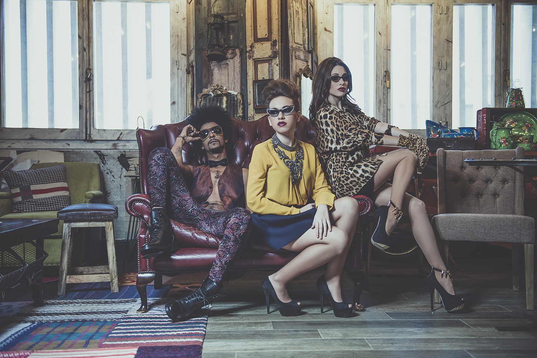 Sesión de fotos Miss Gafas en Showroom Francisco Segarra.