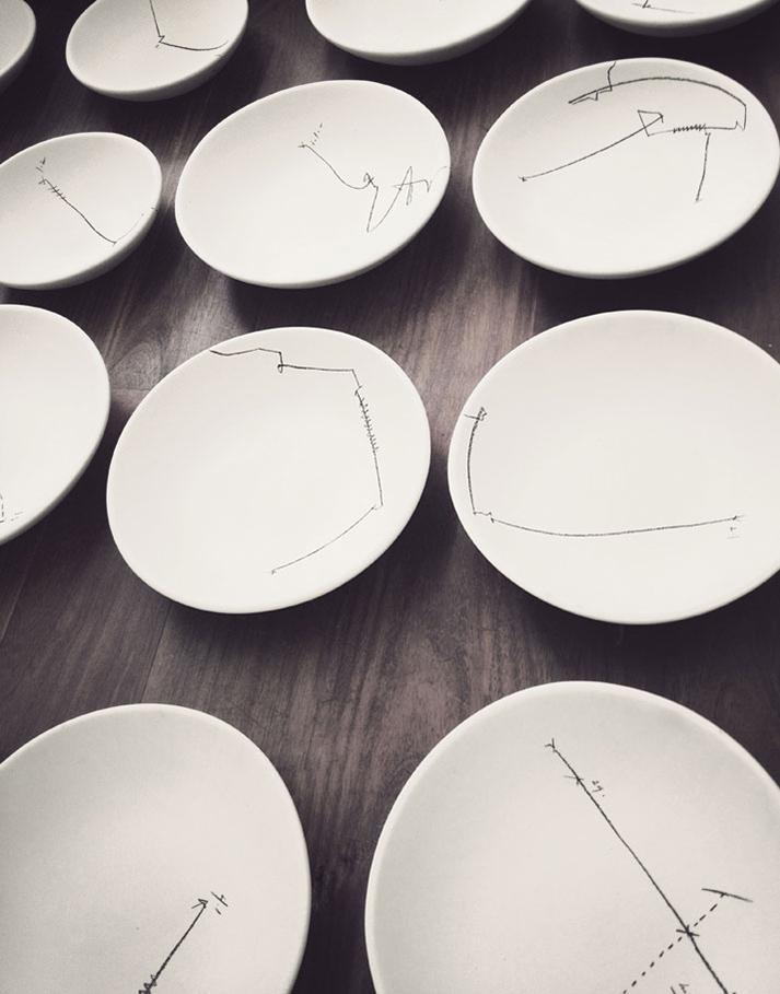 Imágenes de las vajillas en restaurante Hueso.