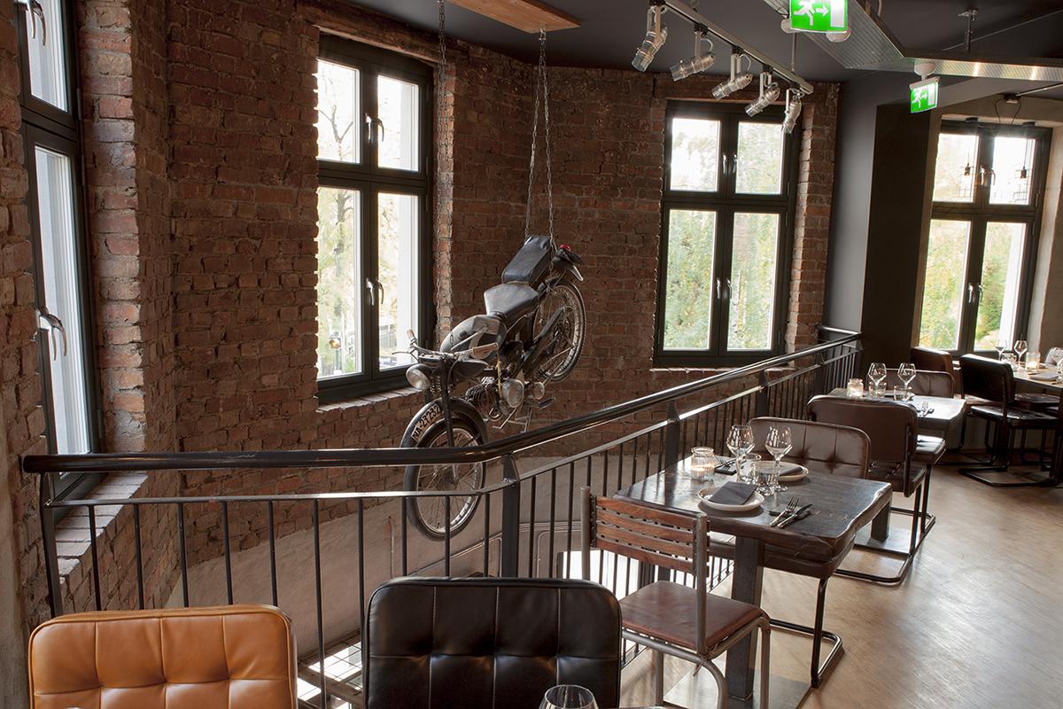 Fotos. Proyectos interiorismo. Decoración bar de tapas Escalón.