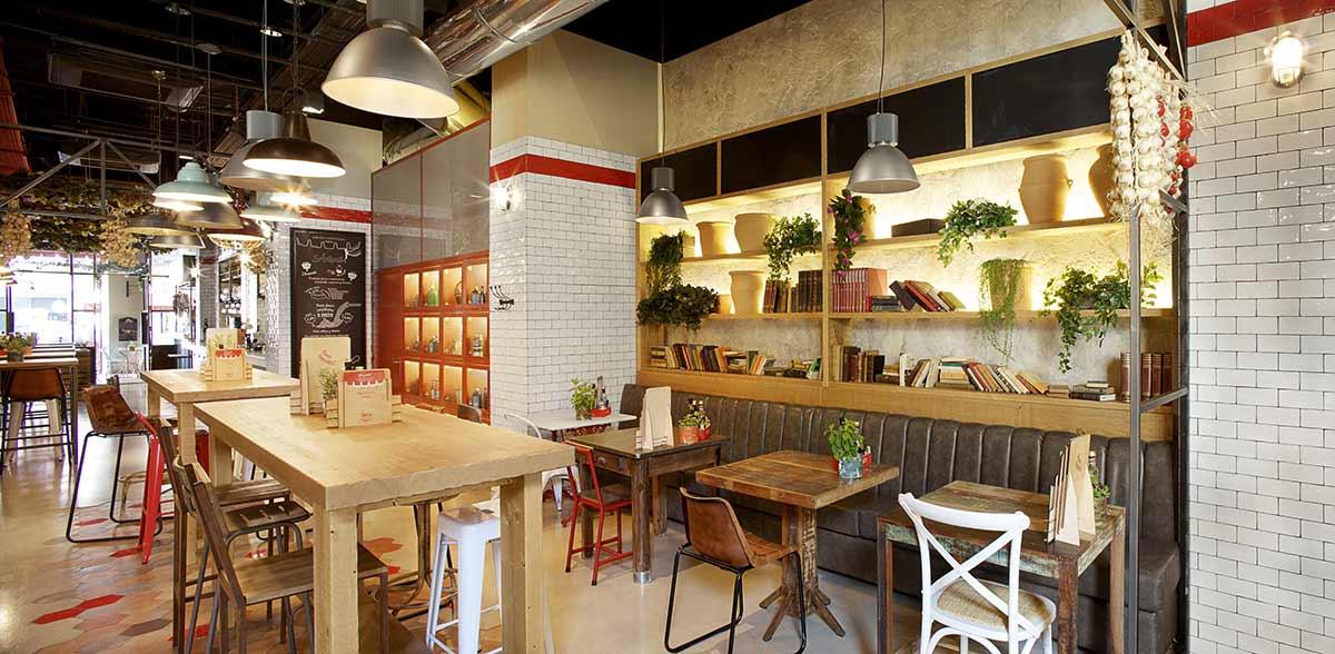 Mobiliario del restaurante DAVITA Italian Gastro Market.