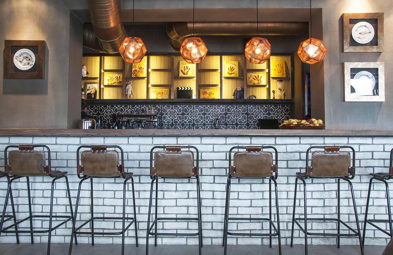 Decoraci n de restaurantes de est tica loft con muebles fs - Mobiliario de un bar ...