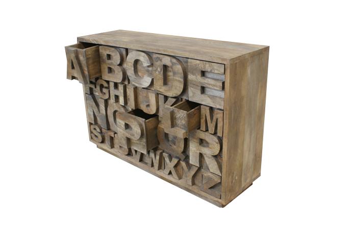 Mueble abecedario de Francisco Segarra.