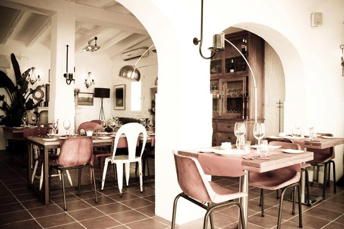 Francisco Segarra, restaurante Moustique