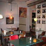 Fotos del nterior del restaurante La Bulla con mobiliario FS