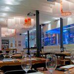 Decoración moderna en el restaurante Alumbre