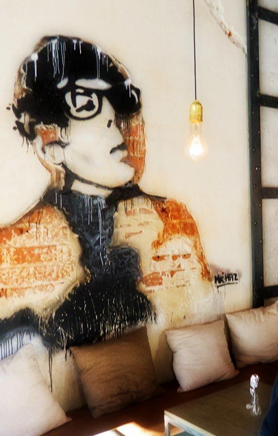 Imágenes del Graffiti en el restaurante Naif