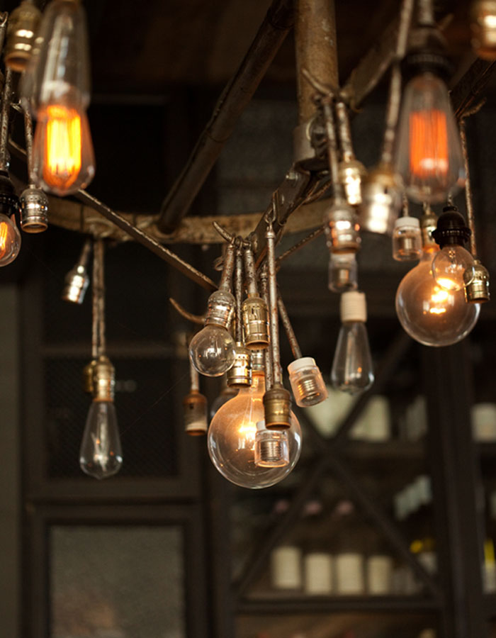 Decoraci n interior estilo industrial en restaurante gjelina - Iluminacion estilo industrial ...
