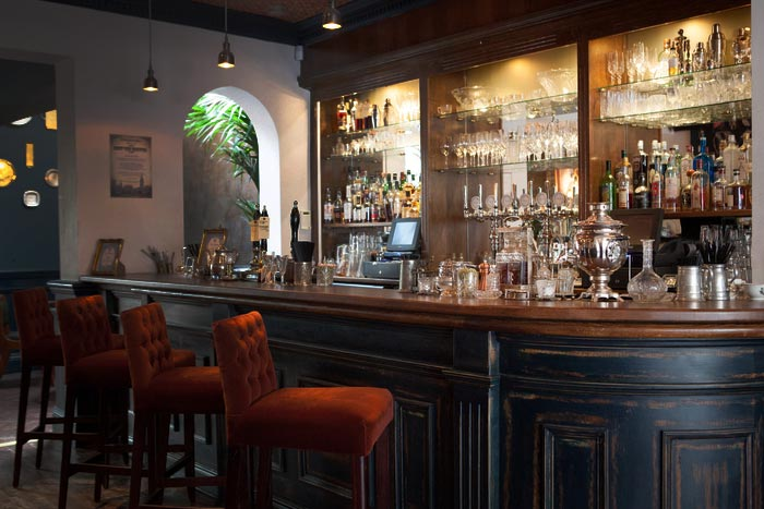 Decoraci n interiores para restaurantes de estilo victoriano for Interiores de restaurantes