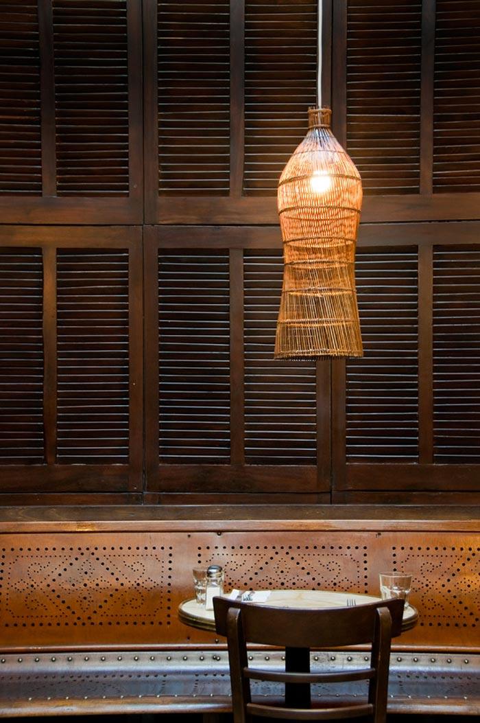 Fotos del diseño de interiores vintage en el restaurante Taphouse