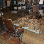 Fotos del Mobilairio antiguo en la tienda de AllSaints Spitalfields