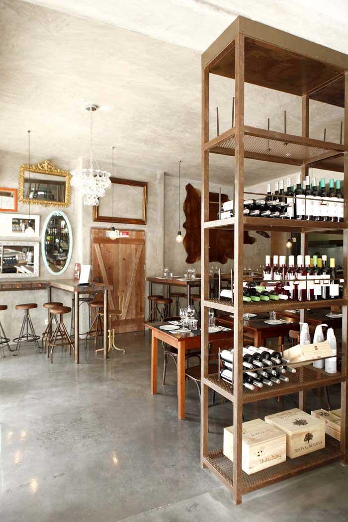 Proyecto Interiorismo Para Hosteleria Con Mobiliario Vintage