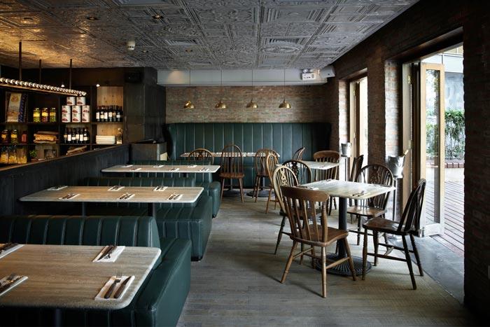 Fotos del mobiliario en la pizzería Matto de Shanghai