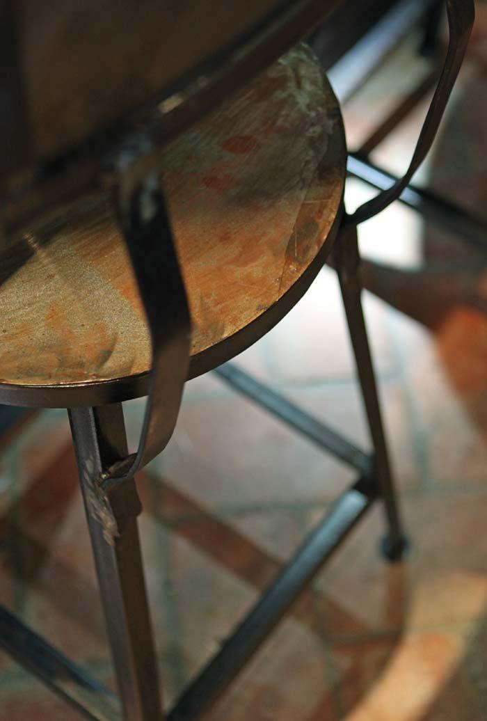 Imágenes detalladas del taburete Masu de Francisco Segarra