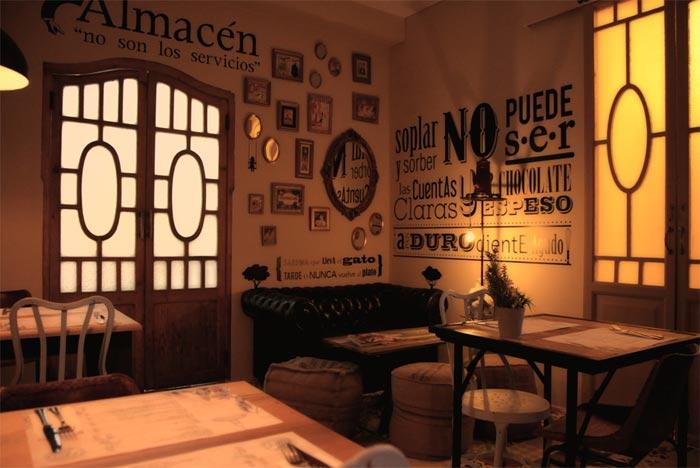 Fotos de las mesas y sillas del restaurante pica´p