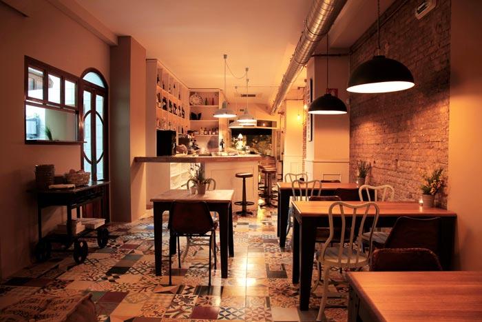 Imágenes del Mobiliario vintage en el restaurante pica´p