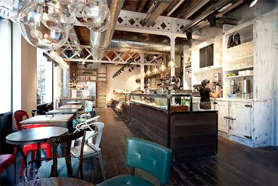 Fotos del proyecto de interiorismo de la panadería serrajordia