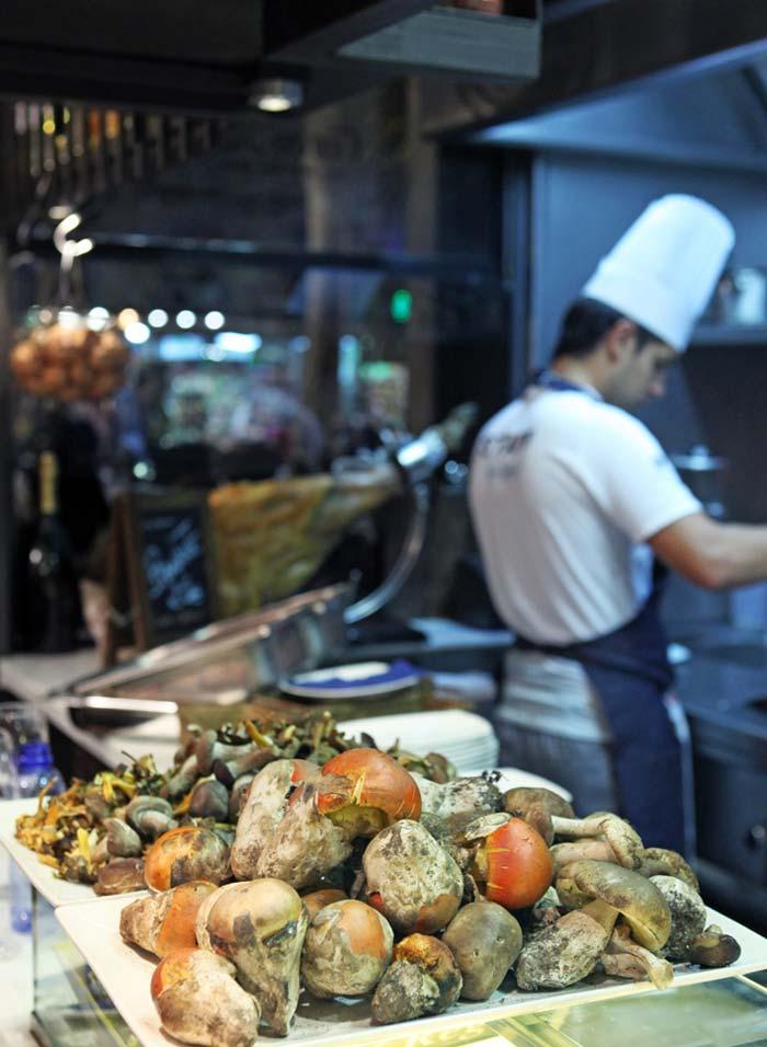 Imágenes del interior del restaurante La Boquería Casa Guinart